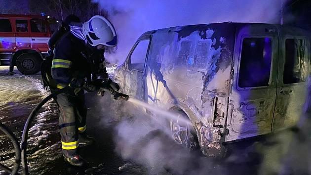 Požár auta v Teplicích.