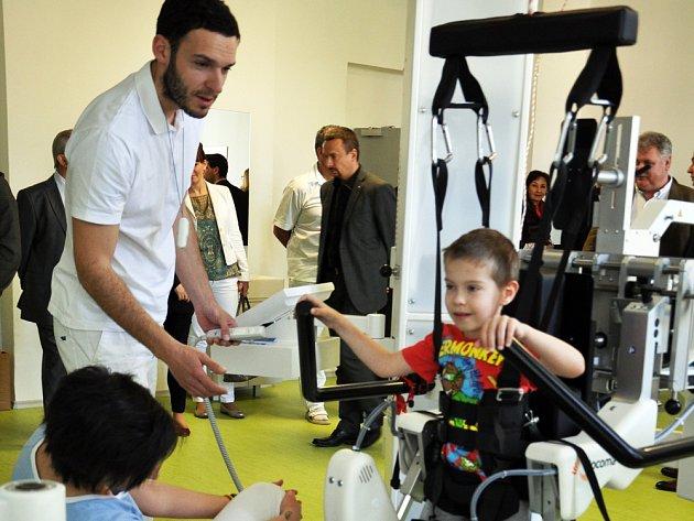 Robot už léčí děti
