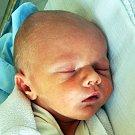 Matyáš Suk se narodil Šárce Sukové z Teplic  7. července  ve 23.46  hod. v teplické porodnici. Měřil 48 cm a vážil 3,15 kg.