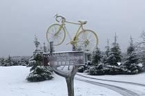 Cínovec hlásí několik centimetrů sněhu, silnice jsou sjízdné.