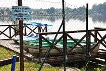 Půjčovna lodiček na rybníku Barbora v Duchcově.