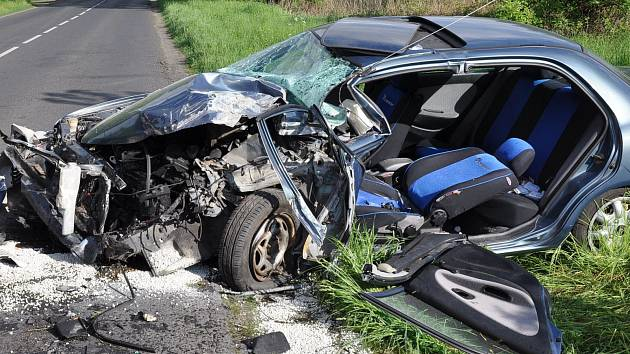 Nehoda zablokovala silnici mezi Duchcovem a Osekem na Teplicku. Ilustrační foto