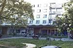 Město Bílina koupí tento panelový dům v ulici Maxe Švabinského.