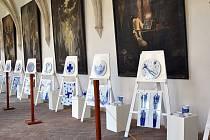 Díla výtvarníků z osmi zemí teď zdobí křížovou chodbu kláštera