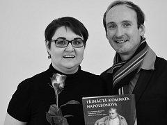 Autoři knihy Marian Hochel a Marta Pavlíková.