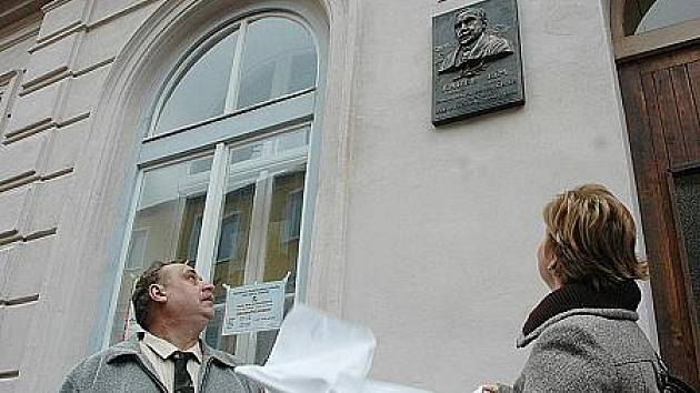 Škola ve městě Hrob slavila 120 let