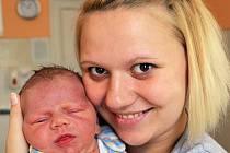 Mamince Andree Moserové z Teplic se 4. října v 17.29 hod. v teplické porodnici narodil syn Lukáš Bachtin. Měřil 53 cm a vážil 4,25 kg.