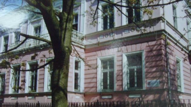 Původní budova kojeneckého ústavu v Teplicích