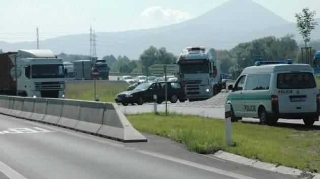 Fronty u Bystřan kvůli nehodě u Lovosic