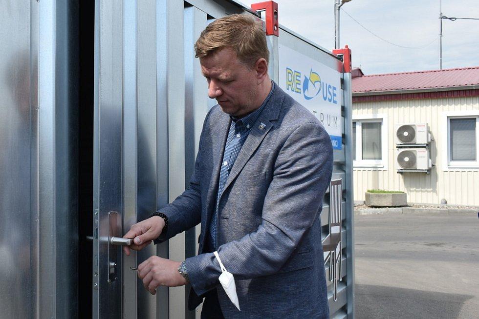 Hynek Hanza, otevření re-use centra v Teplicích