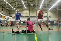 V prvním utkání čtvrtfinálové série porazily Teplice brněnský Helas 6:4.
