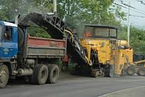 Opravy silnic jsou zapotřebí