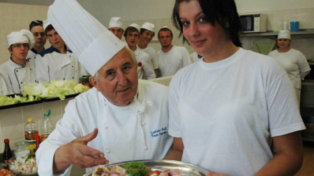 Ladislav Nodl navštívil Hotelovou školu Teplice