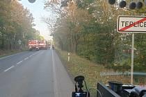 Při nehodě autobusu, dodávky a osobních vozů v Hudcově se zranili dva lidé.