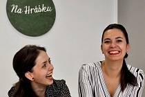 Společnice obchodu bez obalu Na hrášku Kateřina Bobková (vlevo) a Anna Pášová. Foto: archiv Kateřiny Bobkové a Anny Pášové