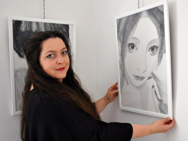 Výstava kuro shiro japonská tušová malba. Obrazy z cest Radka Müllerová.