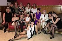 Zaměstnanci Arkadie si užili večírek plný módy dvacátých let minulého století