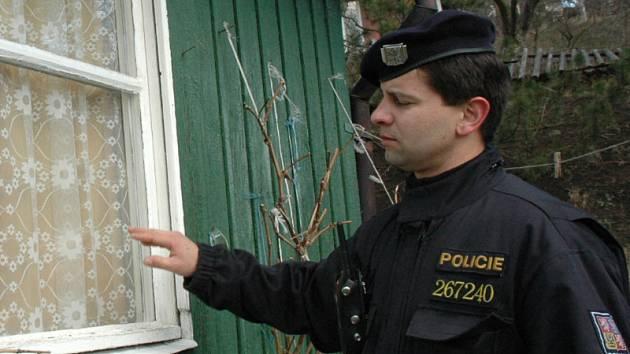 Policisté kontrolovali zahrádkářskou kolonii.
