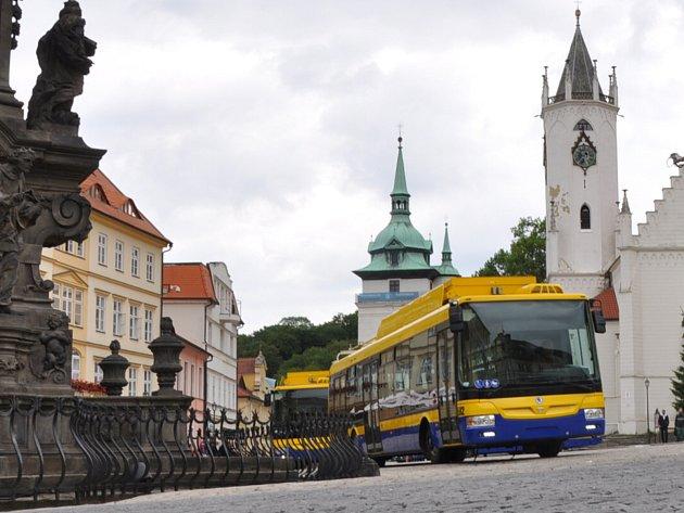 Představení nových hybridních trolejbusů v Teplicích.