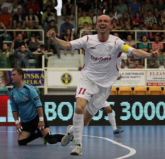 Vladyka slaví čtvrtý gól v brance teplického Kaliny.
