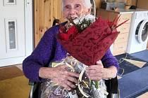 Paní Alena Mráčková z Háje u Duchcova slaví 96 let.
