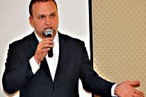 Z veřejné debaty v Teplicích na téma: Uprchlíci, islám a Česko. Zúčastnil se také místopředseda KDU-ČSL Marian Jurečka. Pořádala právě KDU-ČSL.