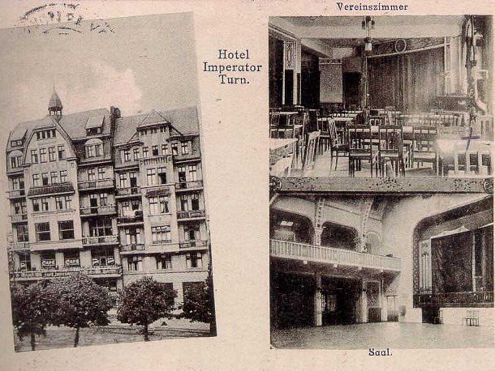 Hotel Imperátor v Trnovanech na historických pohlednicích v době své největší slávy.