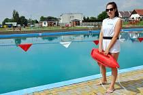Plavčice Monika Novotná na koupališti v Duchcově