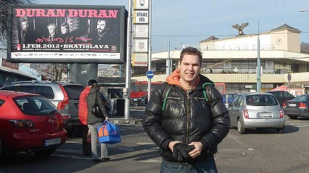 NA BRATISLAVSKÉM NÁDRAŽÍ mě vítal billboard zvoucí na koncert Duran Duran