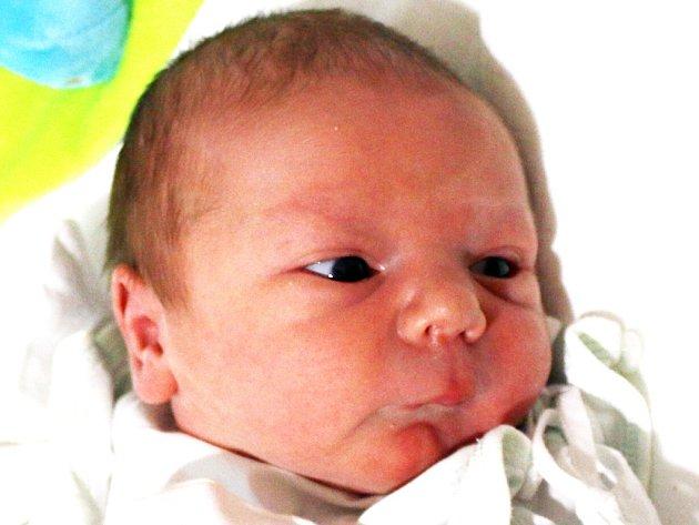 Matyáš Nový se narodil Martině Nové a Lukáši Novému z Teplic 9. listopadu v 5.13 hod. v ústecké porodnici. Měřil 48 cm a vážil 3,1 kg.
