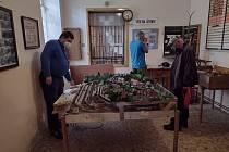 Železniční expozice v budově nádraží Osek - město
