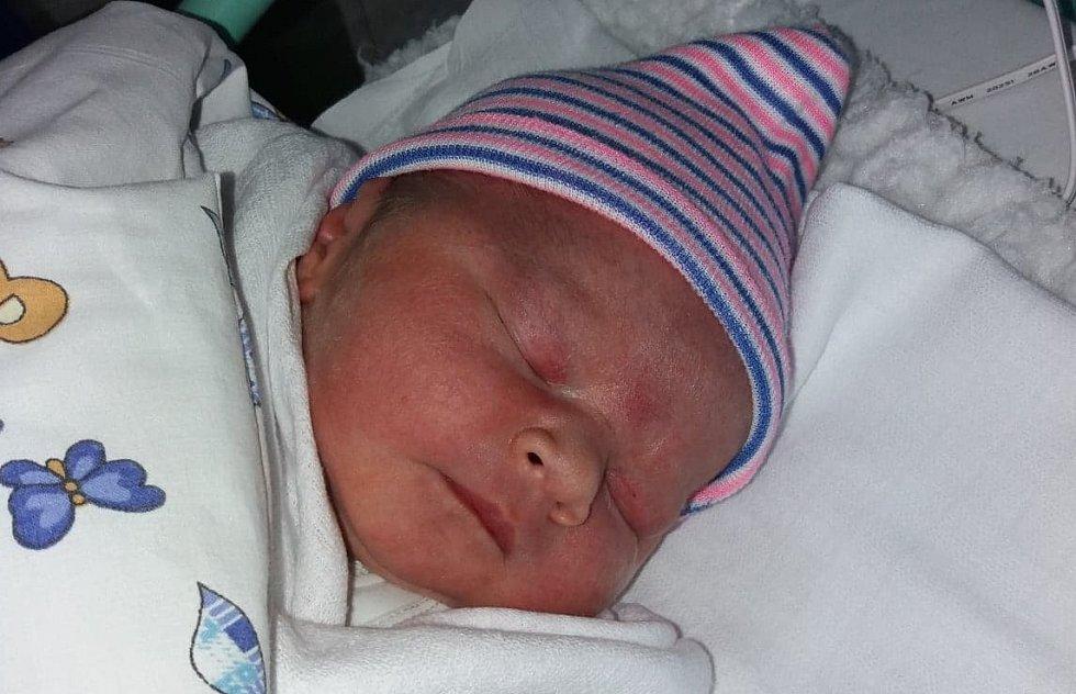 Marek Klémase narodil mamince Nikole Klémové v ústecké porodnici 28. dubna v 3:38 hodin. Vážil 3970 gramů a měřil 51 cm.