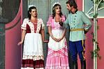 Divadelní příběh ze života G. Casanovy s názvem Hraběnčin portrét v nastudování Divadla M.