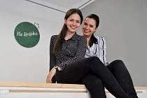 Společnice obchodu bez obalu Na hrášku Kateřina Bobková (vlevo) a Anna Pášová.