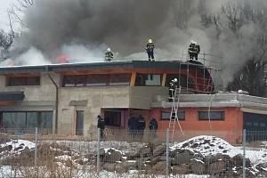 Požár v Teplicích, v lokalitě Nová Ves.