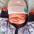 MAXIM KUCYNA se narodil Nikole Langmaierové z Krupky 31.10. ve 4.05 hod. v teplické porodnici. Měřil 50 cm a vážil 3,25 kg.