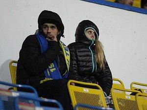 Fanoušci Teplic v hledišti Stínadel při zápase se Zlínem