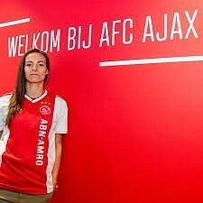 Lucie Voňková v dresu Ajaxu.