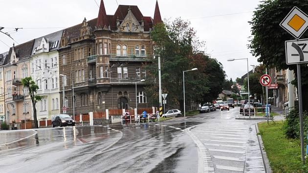 Stávající pohled na křižovatku ulic Bílinská, Lounská, Americká a výpadovka na Bílinu a Prahu.