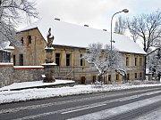 Bývalá manufaktura v Oseku.