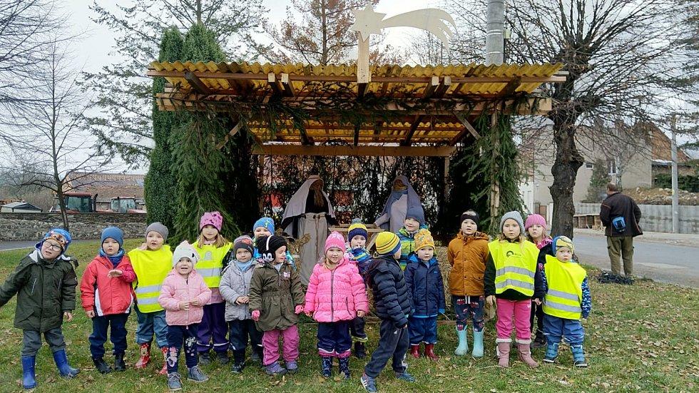 MŠ Žalany se zapojila do akce Česko zpívá koledy.