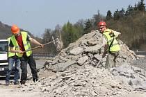 Dálnice Ústí - Teplice se opravuje