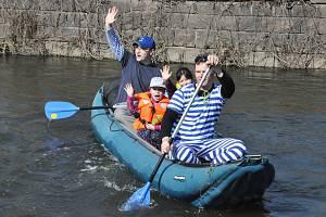Vodáci z Teplic a jejich příznivci odemkli řeku Bílinu.