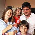 Johanes Josef Říha se narodil Ekaterině Shmykové a Lukáši Říhovi  z Teplic  8. července  ve 14.08  hod. v ústecké porodnici. Měřil 47 cm a vážil  2,47 kg.