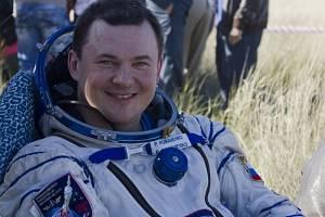 Vesmír a ruský kosmonaut Roman Romaněnko