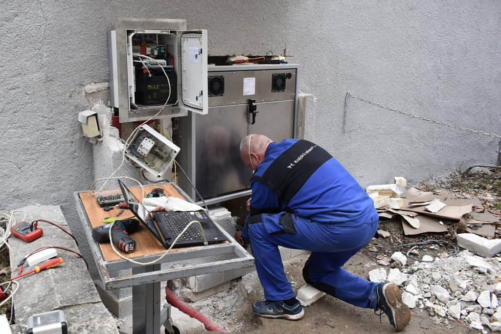 Instalace nového babyboxu v Teplicích.