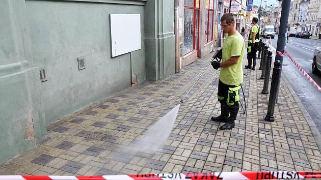 Mytí chodníků v Teplicích. Ilustrační foto