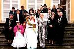 V Teplicích bude volit zrcadlový muž. K vidění byl naposledy při svatbě před 18 lety