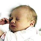ADÉLA STEHNOVÁ se narodila Kláře Stehnové z Mikulova 30. listopadu ve 2.05 hod. v ústecké porodnici. Měřila 49 cm a vážila 3,350 kg.