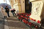 V Teplicích vznikají pietní místa k uctění památky zemřelého Jaroslava Kubery.